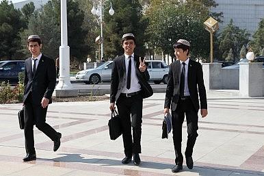 In Turkmenistan, Border Woes Trump Education