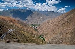 Kyrgyz and Tajiks Clash Along Disputed Border