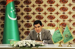 Turkmen Leader Makes First Visit to Kyrgystan