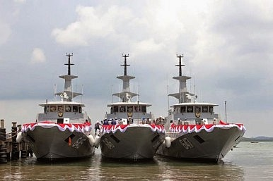 Indonesia's Navy Inducts Missile Craft into Western Fleet