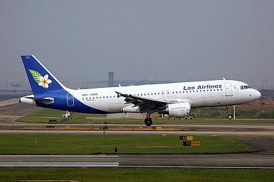 united airlines flight 553