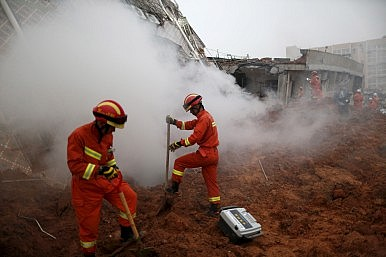 Construction Waste Landslide Buries 85 in Shenzhen