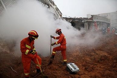 Construction Waste Landslide Buries 85 in Shenzhen