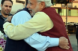 Making Sense of Modi's Surprise Stopover in Lahore