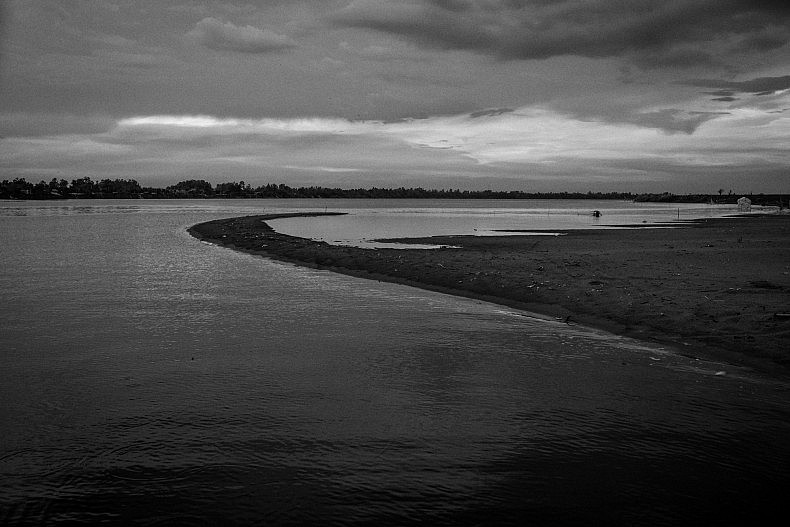 Since the erosion of the Banks of the Mekong started taking place in the Village of Khpob Ateav the island of Peam Reang, Cambodia has seen massive extensions to their island in the form of large sandy beaches. Photo by Gareth Bright.