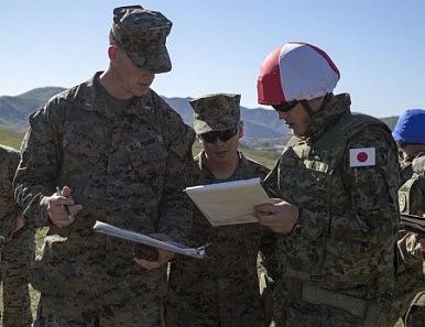 Japan's Elite Amphibious Assault Force Trains With US Marines