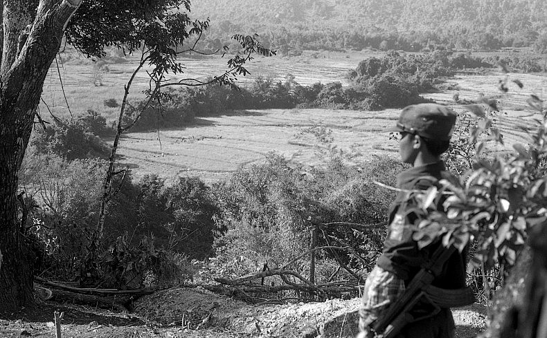 SSAN soldier at hilltop post near wanhai 11_2015 copy