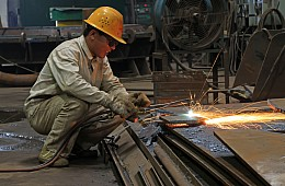 US Raises Import Duties on Chinese Steel, China Fires Back