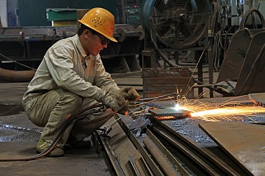 China Earmarks $15.3 Billion to Combat Unemployment From Industrial Reform