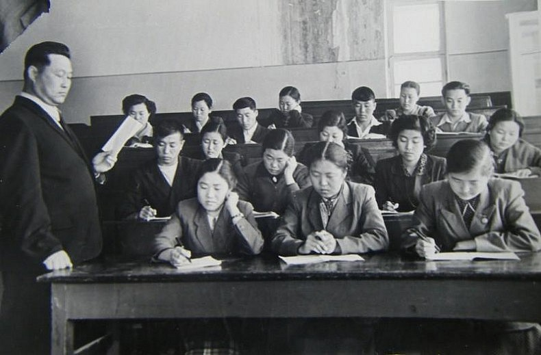 Korean students at Nizami's Tashkent State Pedagogic University. Courtesy of Victoria Kim.