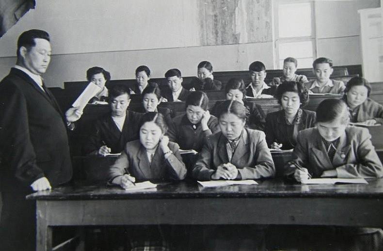 Korean students at Nizami's Tashkent State Pedagogic University. Courtesy of Victoria Kim.
