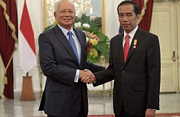 Indonesia, Malaysia Pledge to Solve Maritime Dispute (Again)