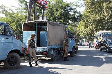 Pakistan Escalates War of Words With India Over Kashmir