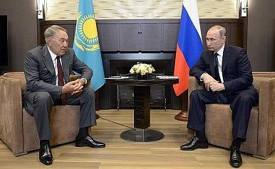 Nazarbayev the Mediator Sets Sights on Ukraine Crisis