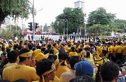 Malaysia's Own Yellows Vs. Reds Battleground