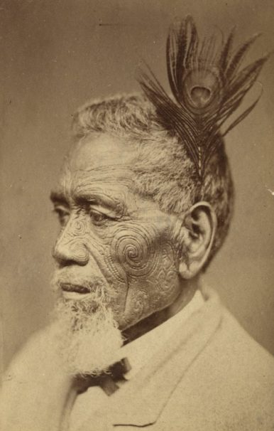 Maori chief with tattoed face, taken between 1860 and 1879. Photo: Wikimedia Commons /