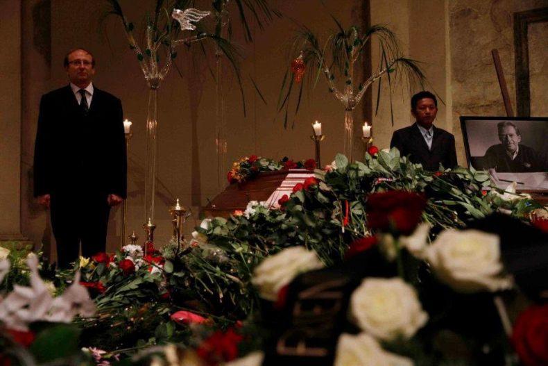 Burma Havel funeral 2