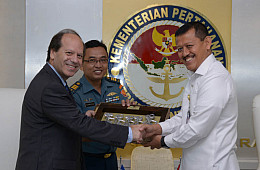 Indonesia, Greece Eye Stronger Defense Ties