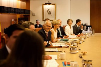 Australia Gets Reassurance on Refugee Deal and Dual Citizen Exception