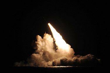 Pacific Ocean: US Navy Submarine Fires 4 Ballistic Missiles