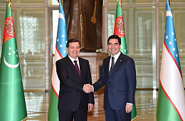 Uzbek President Makes First Official Trip Abroad to Turkmenistan