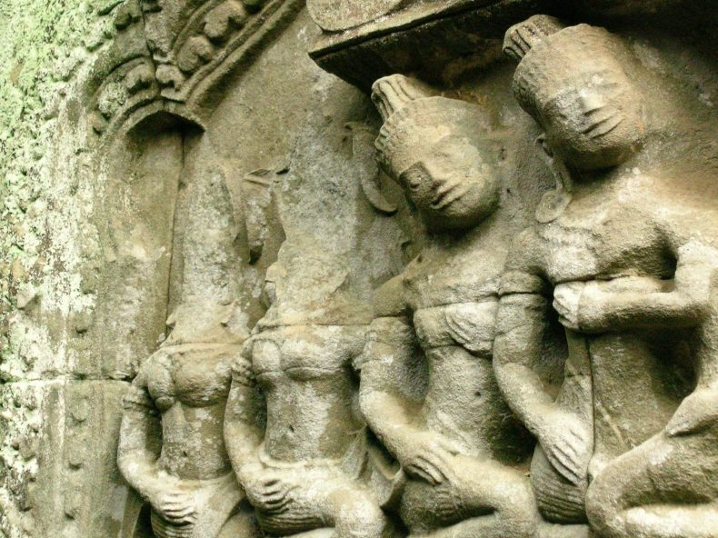 Looting at Angkorian temples in Cambodia. Image by Tess Davis.