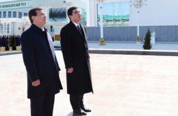 Uzbekistan Puts a Smile on an Economic Blow to Turkmenistan