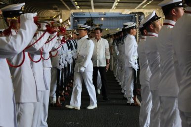 Philippines' Duterte First Head of State to Visit Japan's Largest Warship