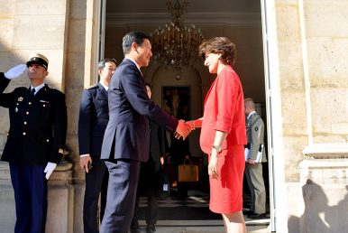 Singapore, France Strengthen Defense Ties in Macron Era Amid Uncertainty