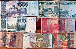 Pakistan Can No Longer Ignore Its Weakened Economy