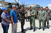 Singapore Military Aircraft Delivers Terror Aid to Philippines