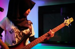Indonesia's Heavy Metal Hijab-Clad Teens