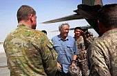 Singapore Defense Minister Visits Iraq Troops in Terror War