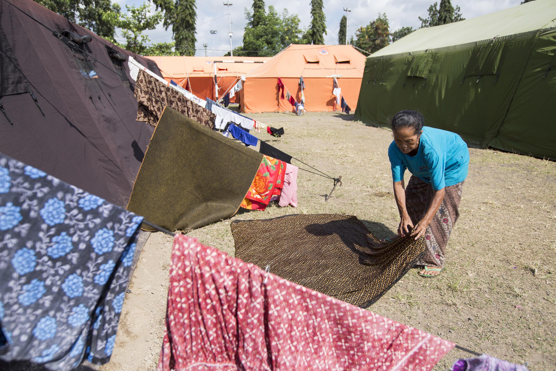 Mount Agung Rumbles, Residents Evacuate
