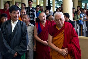 A Secret Visit and Sino-Tibetan Dialogue