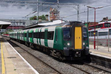 Japan-China Rail Competition Reaches Britain