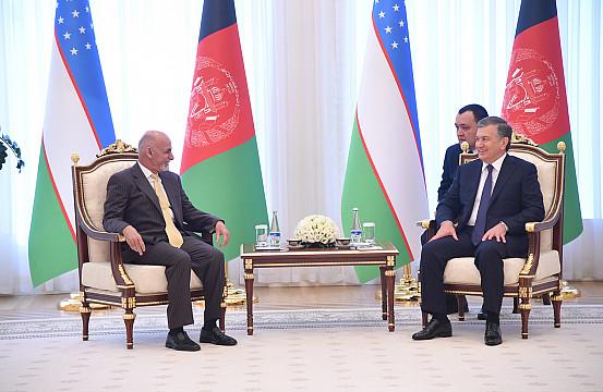 Ghani and Mirziyoyev Meet, Renew Afghan-Uzbek Ties