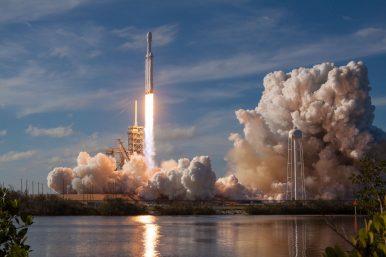 China Has Mixed Feelings About Elon Musk's Falcon Heavy Success