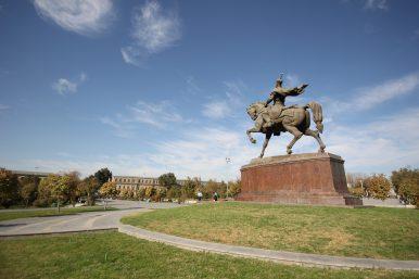 Uzbekistan Loosens Visa Controls, Again