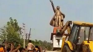 As Lenin Falls in Tripura, Farmers Unite, Keeping Revolutionary Zeal Alive in India