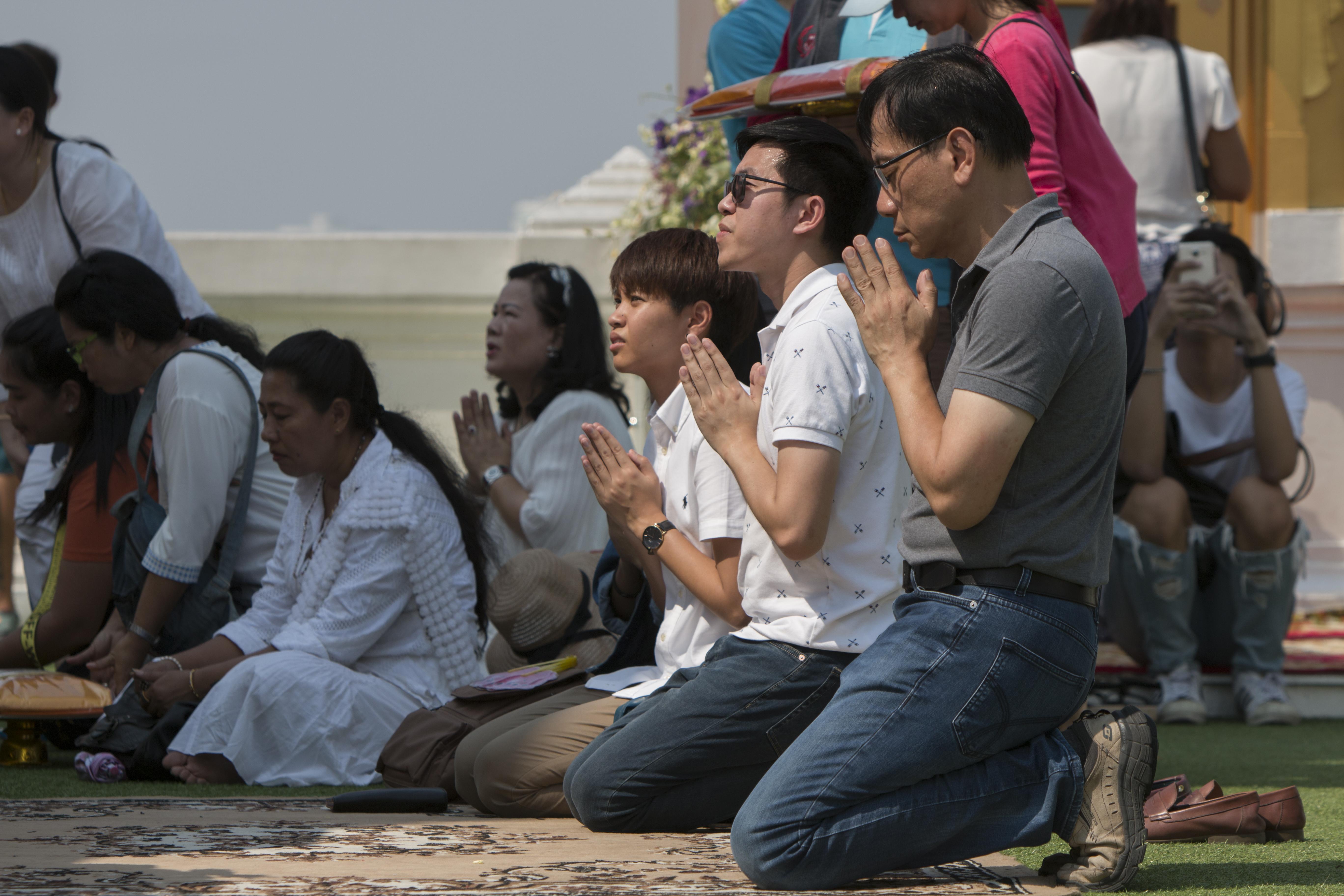 Makha Bucha: Making Merit in Thailand