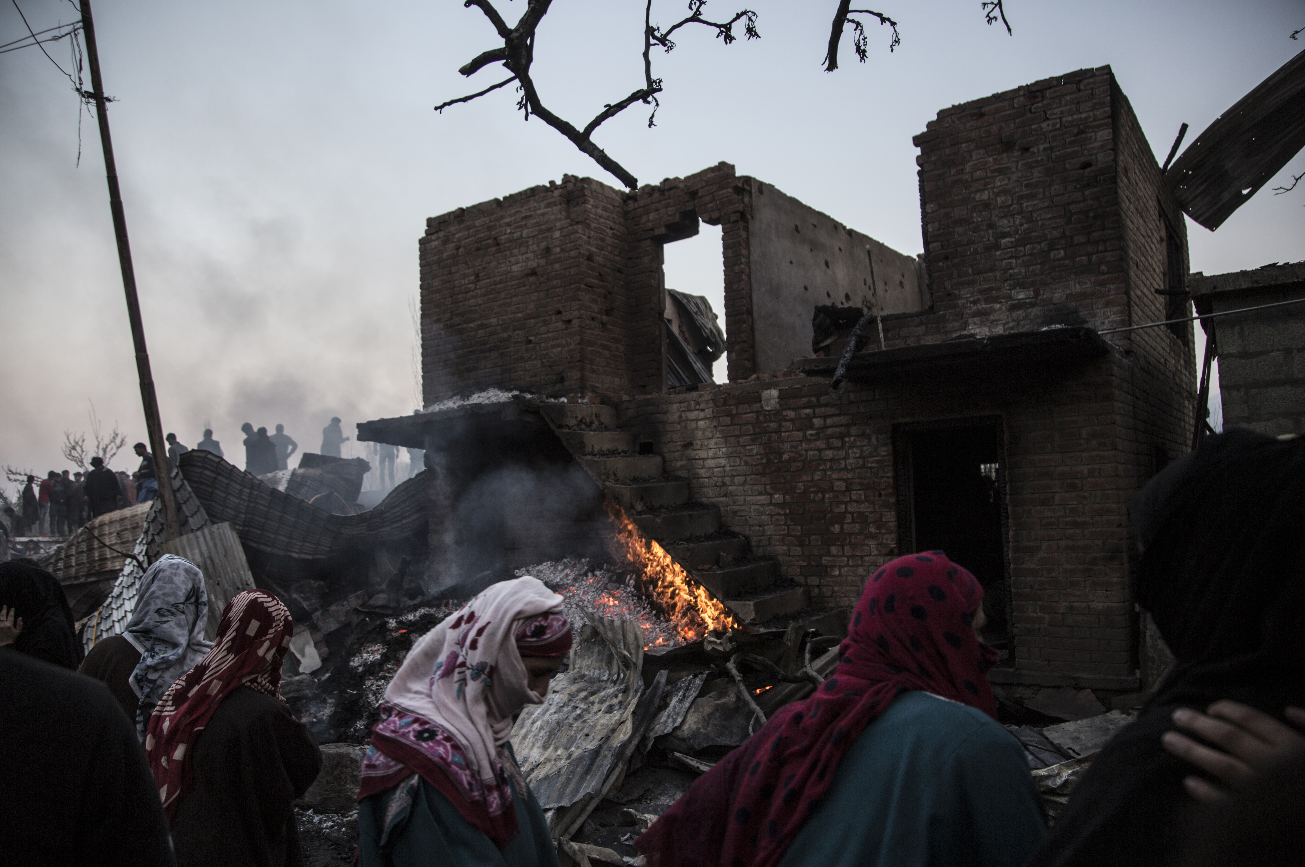 Rebels and Civilians Killed as Violence Surges in Kashmir