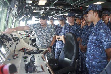 Navy Drills Put Singapore-Japan Military Ties in the Spotlight