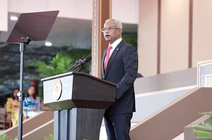 Ibu Solih Is Sworn in as the Maldives' Next President
