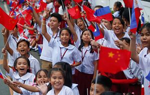 Xi Jinping Capitalizes on 'Rainbow After the Rain' in the Philippines