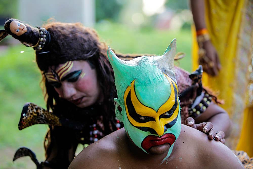 India's Vanishing Art of 'Impersonation'