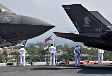 US Navy F-35B-Carrying Amphibious Assault Ship Arrives in the Philippines