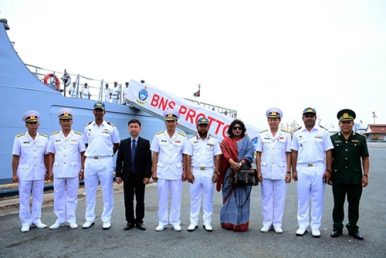 Naval Visit Highlights Vietnam-Bangladesh Relations
