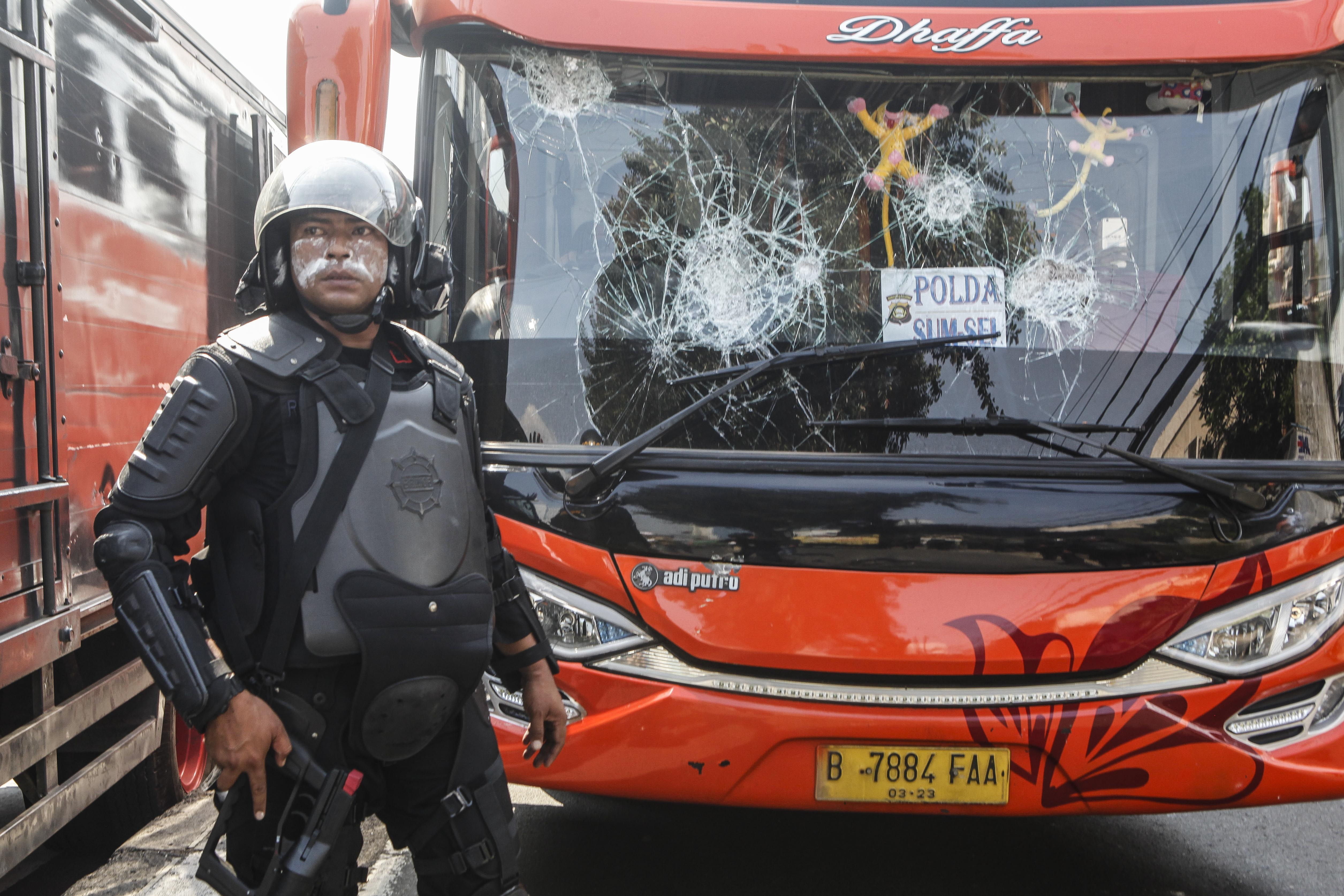 6 Dead in Indonesia Post-Election Protest