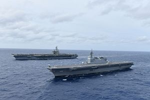 US, Japan Aircraft Carriers Conduct Naval Exercise in South China Sea